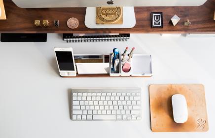 MacBook Pro/Airのクラムシェル専用スタンドを紹介【おすすめ】