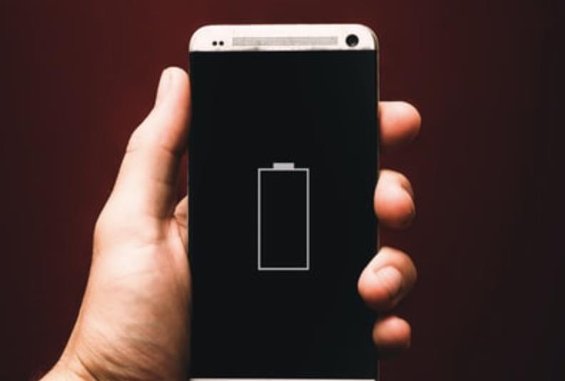モバイルバッテリーの容量によってどれくらいもつかは変わる(容量ごとに紹介)