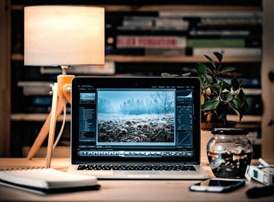 まぁまぁ動画編集するならMacBook Pro13インチ