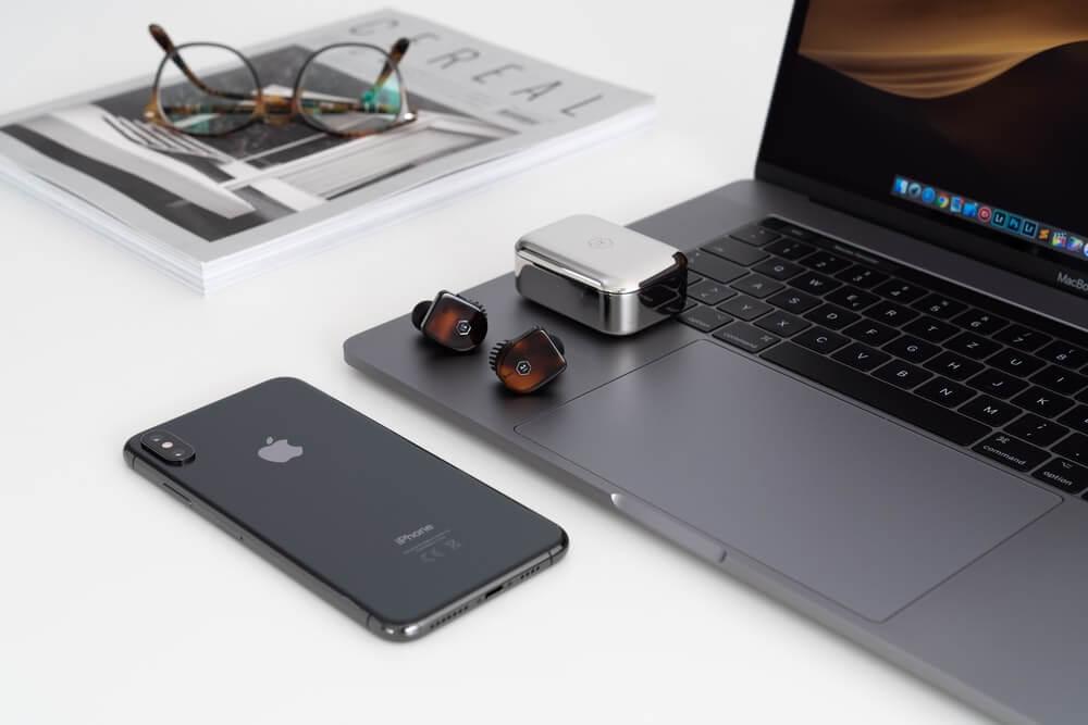 「メモリ」MacBook AirとMacBook Proのメモリは8GBと16GB